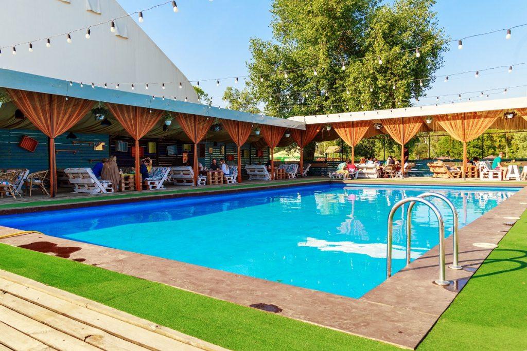 бассейн в xpark